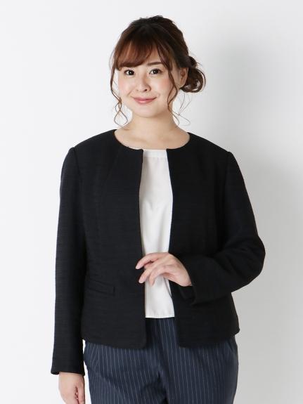 オフィスに必須なジャケットはぽっちゃり女子の雰囲気にぴったりなノーカラーを_02 ぽっちゃりさんのオフィスコーデ