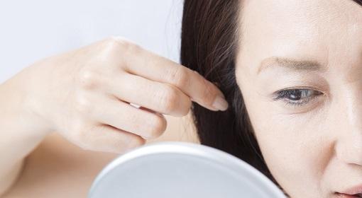 髪の毛のプロ直伝。白髪が気になる女性必読の白髪予防対策・ヘアケア方法