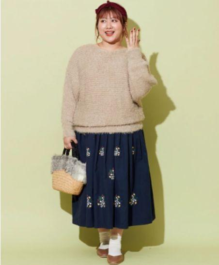 ロングスカート花刺繍