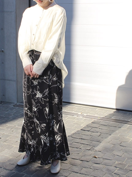 ロングスカートの流行は継続。2021年春夏のコーデは?_04