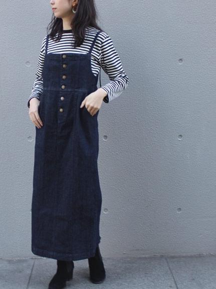 カジュアルコーデも春夏はスカートで甘さをプラス_05